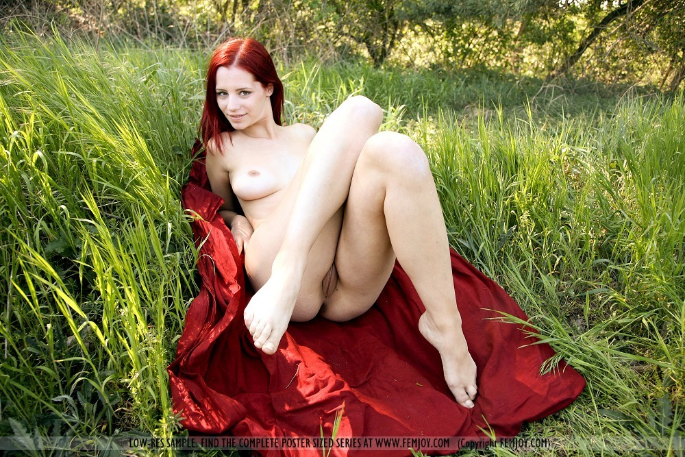 nudist news and gallery – Lesbian
