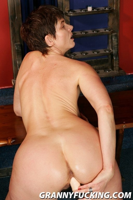 blacked roommate cheats with bbc – Lesbian