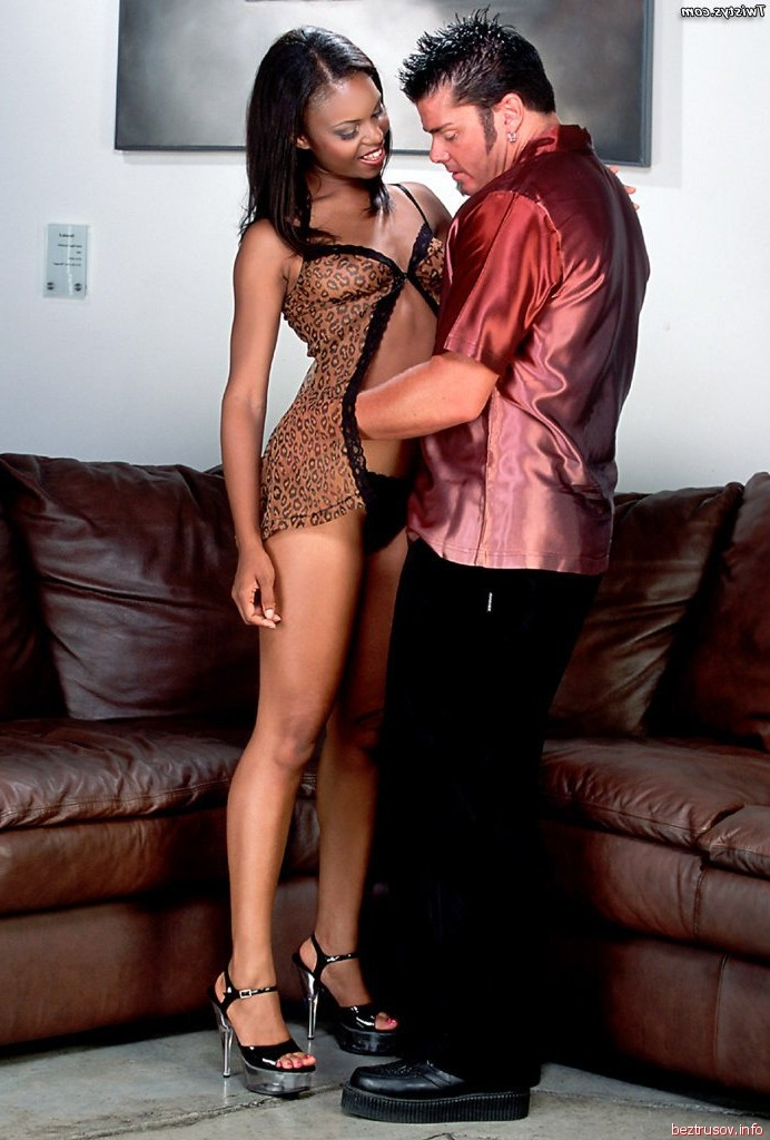 threesome with my gf and strnger – Femdom